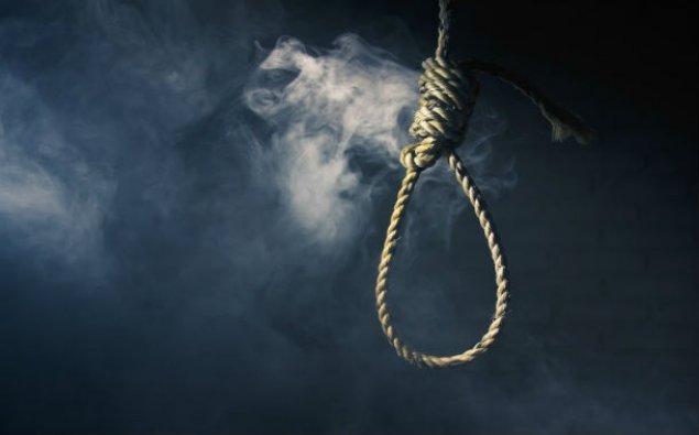 40 yaşlı kişi intihar etdi