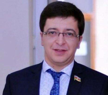 """""""Xaricdə oturum iznini qucaqda oturum izni zənn edənlər"""" – Deputat Elşən Musayev yazır..."""