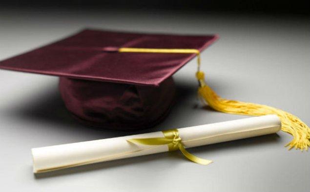 Rusiyada 2 deputatın diplomu saxta çıxdı