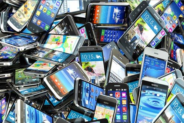 Azərbaycana mobil telefon idxalı artıb