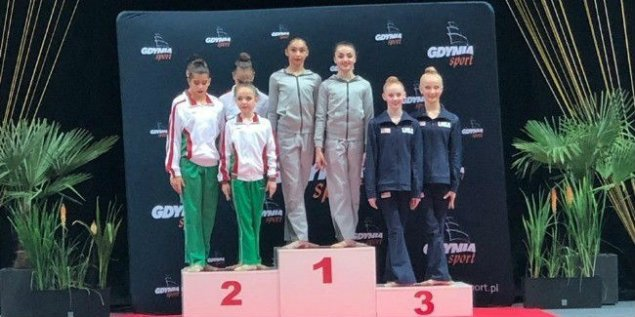 Azərbaycanın bədii gimnastları beynəlxalq turnirdə 10 medal qazanıb – FOTO