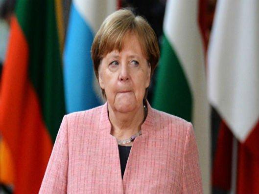 Angela Merkelin səhhətində növbəti dəfə problem yaranıb