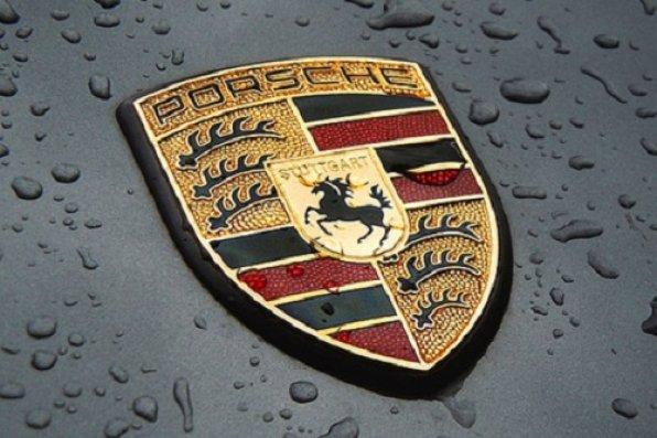 """""""Porsche"""" 2 mindən çox avtomobili geri çağırıb"""