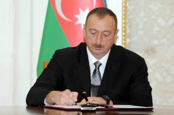 Prezident DSX-nın hərbi qulluqçularını və mülki işçilərini təltif edib - SİYAHI