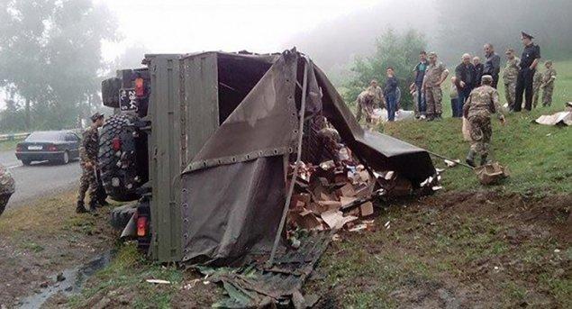 Ermənistanda hərbi yük maşını aşıb – 11 hərbçi yaralanıb