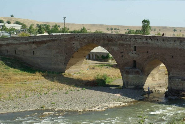"""Nazirlik: """"Sınıq körpü""""də təmir-bərpa işləri ilin sonunadək yekunlaşacaq"""