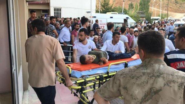 Türkiyədə mikroavtobus aşıb, 8 nəfər ölüb, 5 nəfər yaralanıb