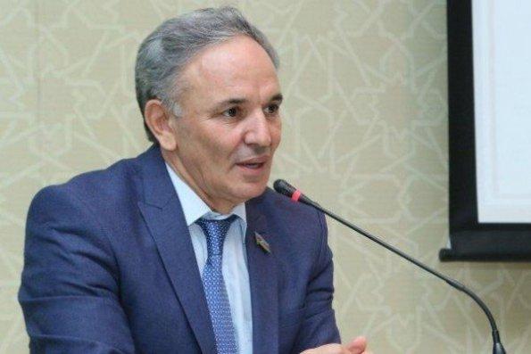 """""""Daha heç bir qurum mediaya nəzarət etmir"""" – Əflatun Amaşov"""
