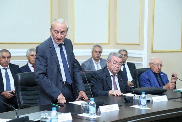 Misir Mərdanov və daha 4 nəfər institut direktoru seçilib