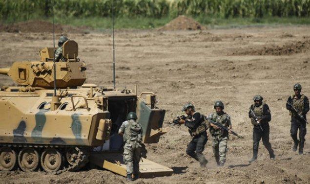 İran Türkiyə ilə sərhəddə elan olunmamış hərbi təlimlərə başlayıb