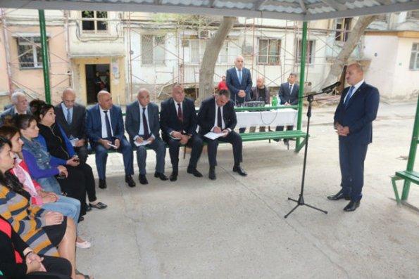 Nəsimi rayon İcra Hakimiyyətinin başçısı  səyyar qəbul keçirib – FOTO