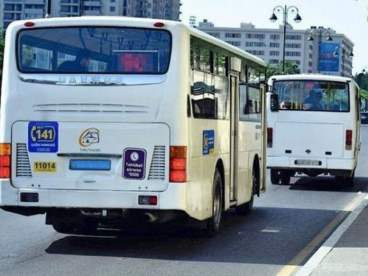Bakıda iki sərnişin avtobusu toqquşub, 7 nəfər yaralanıb