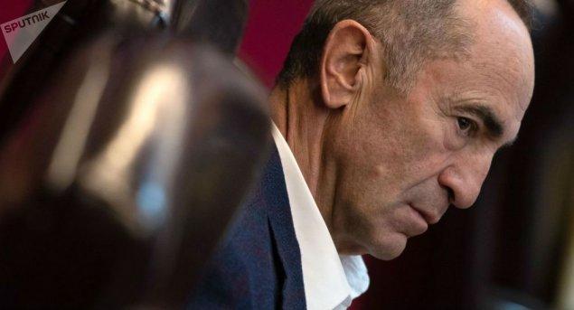 """Robert Koçaryan Nikol Paşinyanı ittiham edib: """"Ya məsuliyyətsizdirlər, ya da ələ alınıblar"""""""