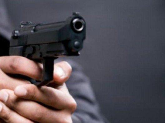 İstanbulda restoranda silahlı dava baş verib