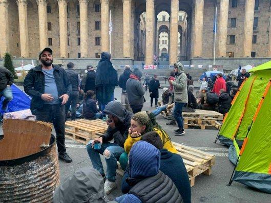 Bu gün Tbilisidə parlamentin qarşısında etiraz aksiyası davam etdiriləcək