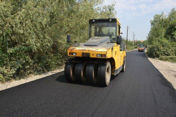Yeni yol tikintisi üçün Avtomobil Yolları Dövlət Agentliyinə 5 milyon manat ayrılıb