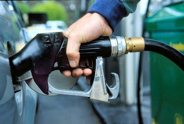 Azərbaycanda avtomobil benzini istehsalı 15% artıb