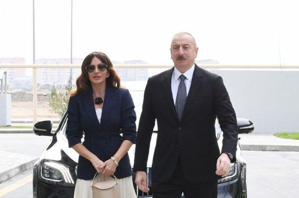 İlham Əliyev və Mehriban Əliyeva Hövsan yaşayış kompleksinin açılışında iştirak edib  - YENİLƏNİB