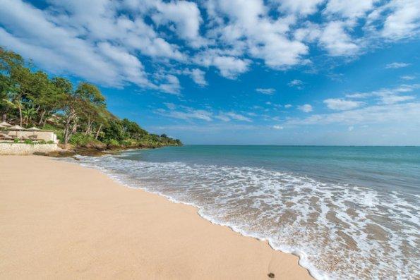 Bali oktyabrda əcnəbi turistlər üçün açılacaq