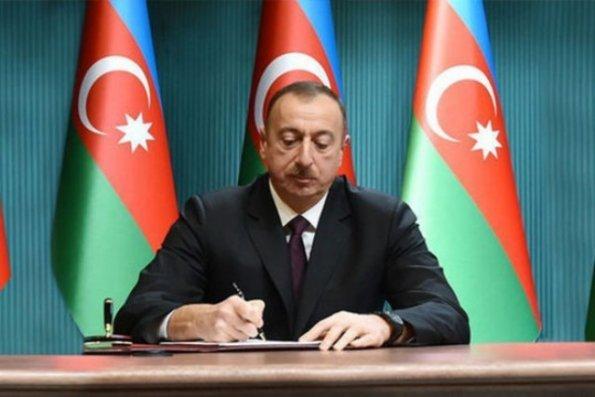 Prezident 4 nəfərə dövlət mükafatı verdi - SİYAHI