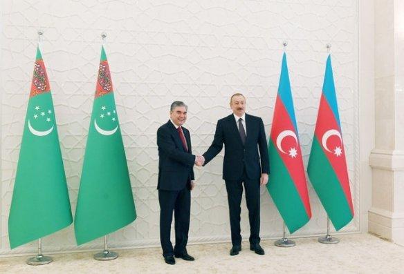 Prezident İlham Əliyev Türkmənistan Prezidentinə zəng edib