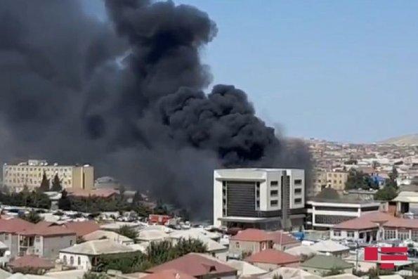 Xırdalanda bina yanır— VİDEO