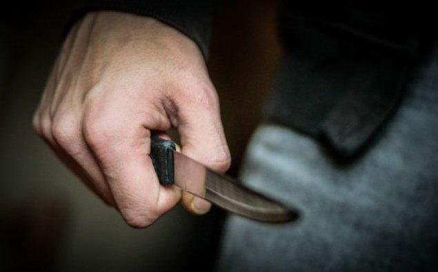 Azərbaycanda gəlin qaynatasını bıçaqladı