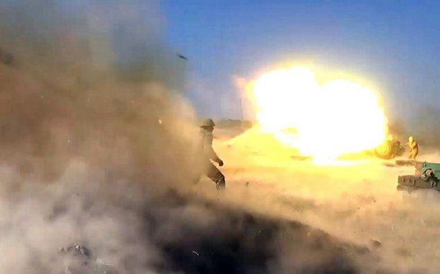 Düşmən mövqelərinə endirilən raket-artilleriya zərbələri  - VİDEO