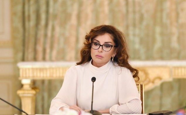 Mehriban Əliyeva xalqı təbrik edib
