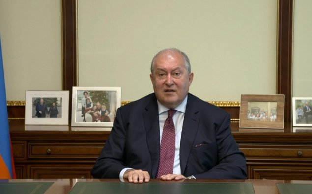 Ermənistan prezidenti Rusiyaya gedib