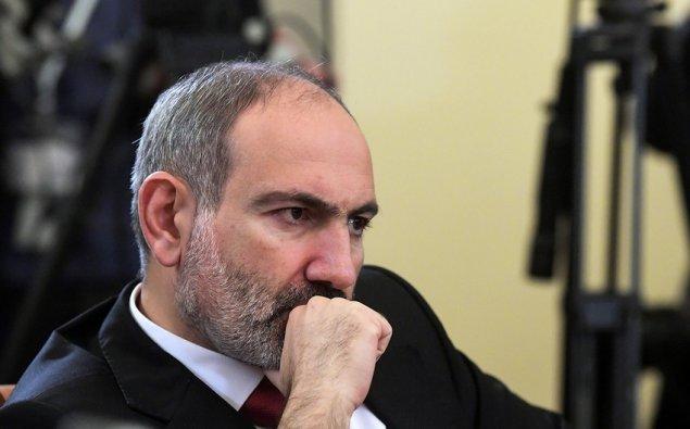 Ermənistanda respondentlərin yarıdan çoxu Paşinyanın istefasını istəyir