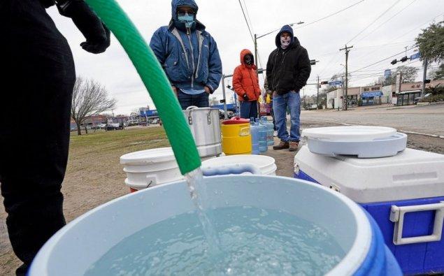 Texasda 9 milyon nəfər susuz qalıb