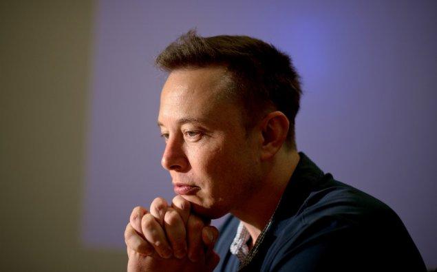 """İlon Mask """"Tesla"""" qəzasından sonra 5 milyard dollar itirib"""