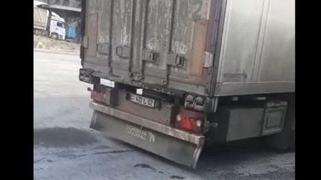 Gürcüstan Rusiyanın humanitar yardım adı altında göndərdiyi hərbi yükü Ermənistana buraxmadı (VİDEO)