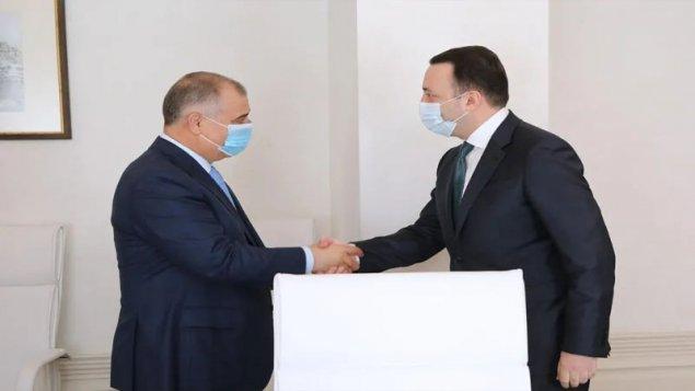 Baş nazir İrakli Qaribaşvili Azərbaycan Dövlət Təhlükəsizlik Xidmətinin rəisi ilə görüşdü (FOTO)
