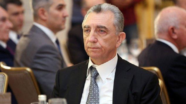 Eldar Əzizov icra başçısına irad tutdu