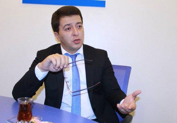 """""""Ermənistan tamamən xaosa bürünüb"""" – Elşən Musayev"""