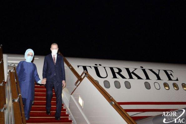 Rəcəb Tayyib Ərdoğan Bakıya gəldi (FOTOLAR/VİDEO/YENİLƏNİB)