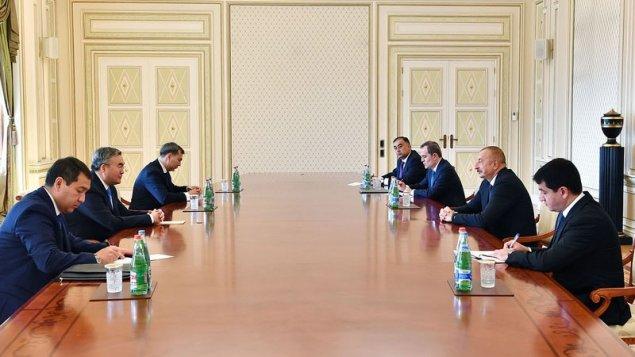 Prezident Qazaxıstanın Baş nazirinin müavinini qəbul etdi (YENİLƏNİB)