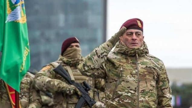 İlham Əliyev general Hikmət Mirzəyevə medal verdi