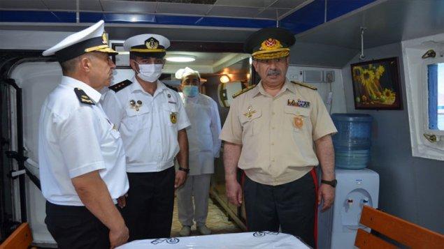 Zakir Həsənov dənizçilərin hərbi hazırlığını yoxladı (FOTO/VİDEO)