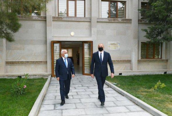"""İlham Əliyev """"Abşeron"""" yarımstansiyasının açılışında (FOTO)"""