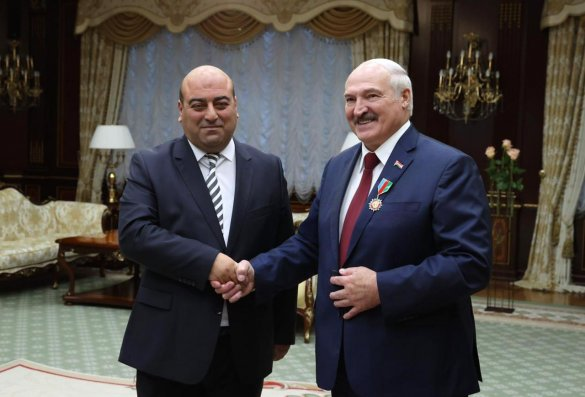 """Belarus prezidenti Aleksandr Lukoşenkoya """"Azərbaycanın Dostu"""" Qızıl Ordeni təqdim edildi"""