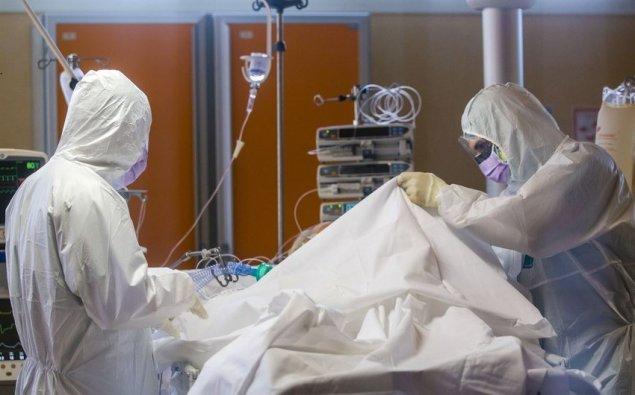 Daha bir müəllim koronavirusdan vəfat etdi (FOTO)